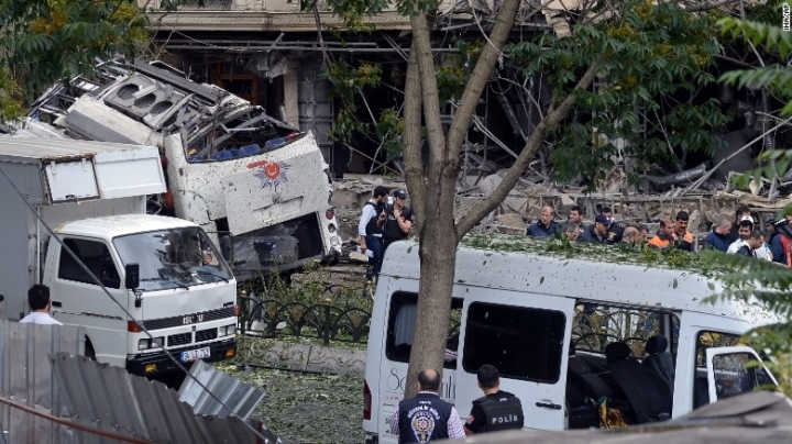 4 detained after car bomb kills 11 in Istanbul