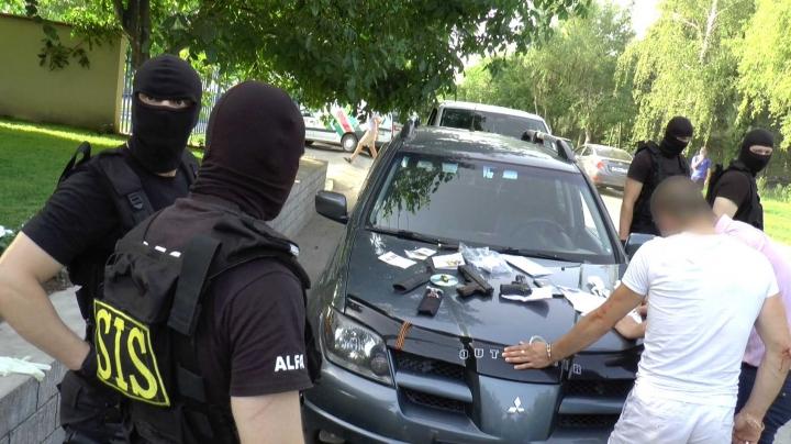 URANIUM SMUGGLED in Moldova. Security service squad catches dealers (PHOTO)