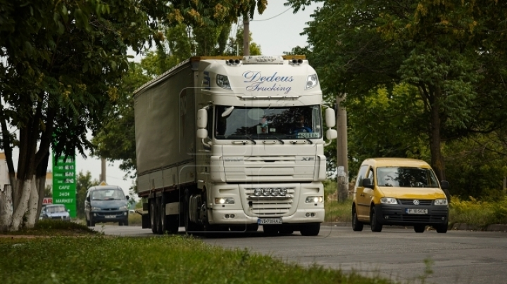 Heavy-loaded trucks, PROHIBITED to run on national roads at 30+ temperatures