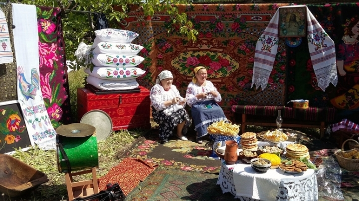 Festival of Carpets organized in Orhei, people attend traditional gathering