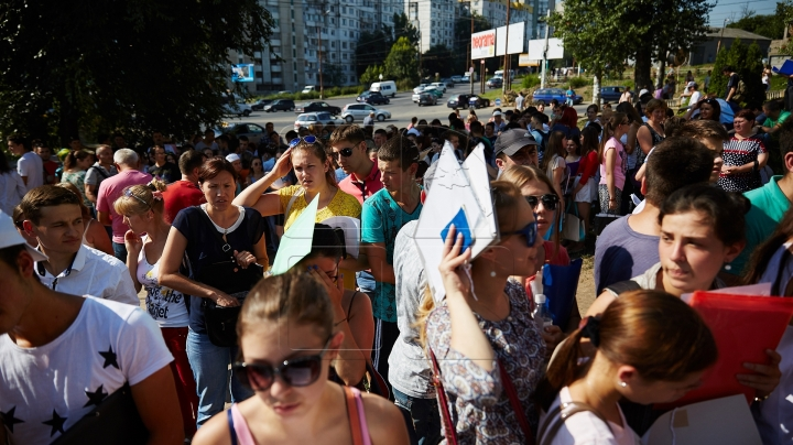 BAD NEWS for high school graduates! Romania decreases number of scholarships