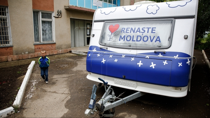 "Mobile pediatric office of ""Moldova's Rebirth"" campaign has reached Napadova village"