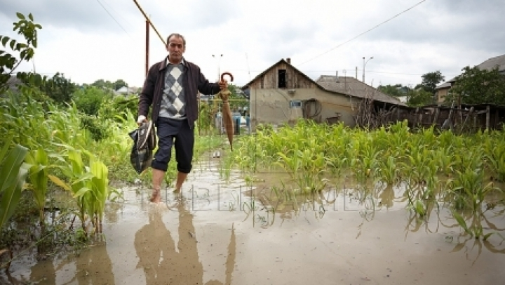 CATASTROPHIC IMAGES IN MOLDOVA. Last night rain causes floods, enormous damages
