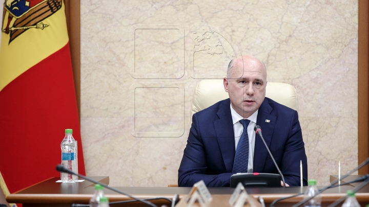 Prime minister Pavel Filip gives ultimatum to presidents of districts affected by hail