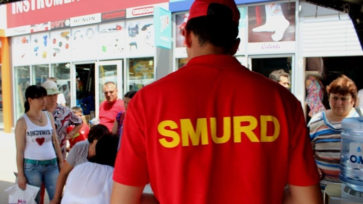 SMURD paramedics will give first aid to passers-by during heat wave