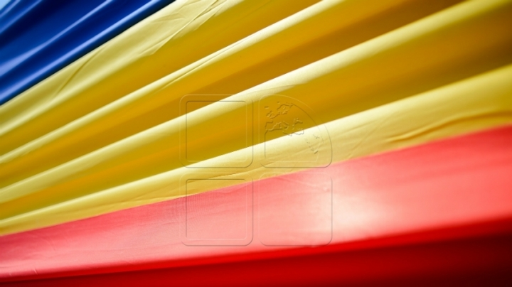 Romania celebrates today Day of National Flag