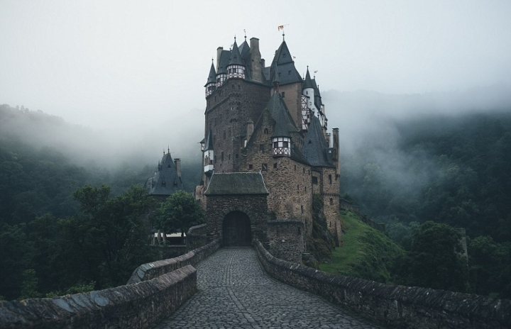 Fascinating photographs captured by a German Instagram star (PHOTO)