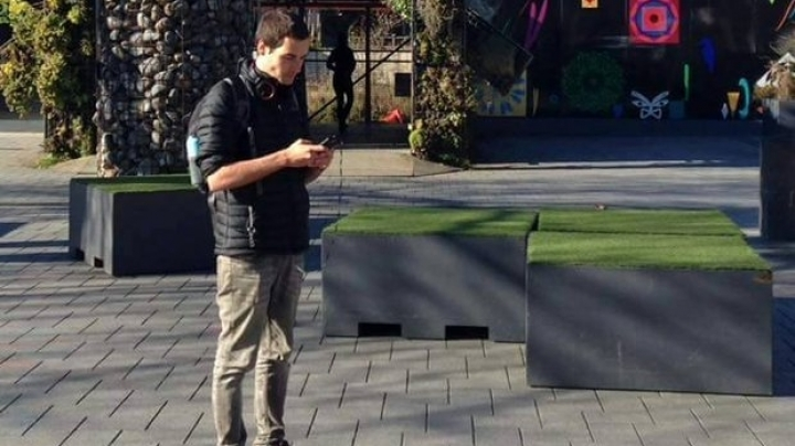 A man from New Zealand quits his job to become a full-time Pokémon hunter