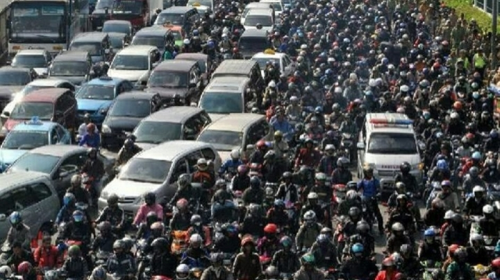 Fifteen motorists die after sitting in traffic jam at Indonesian junction named BREXIT