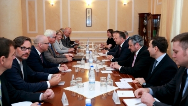 Candu discusses with Steinmeier. Transnistrian settlement issue high on Parliament's agenda