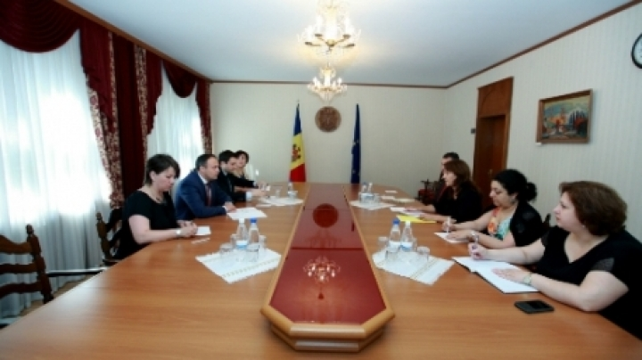 Parliament's President Candu meets IMF expert team