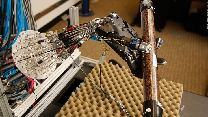 Superhuman robot hand learns from mistakes