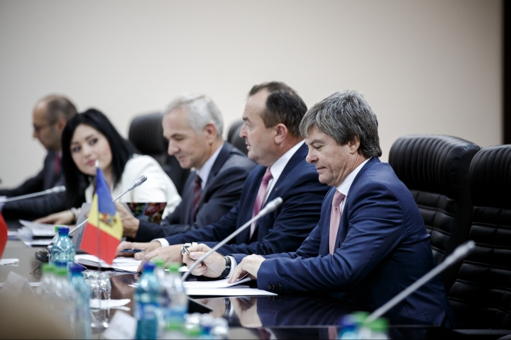 Russian deputy prime minister Dmitrii Rogozin came to Chisinau (PHOTO REPORT)