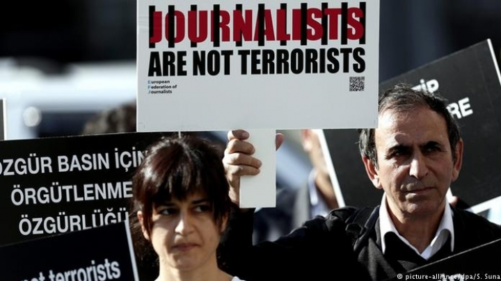 Arrest warrants for 42 journalists in Turkey in connection with failed coup d'etat