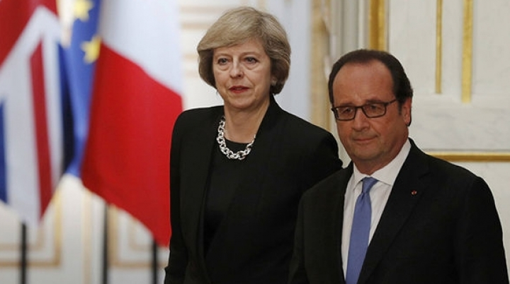 France's president hints no delay should be admitted in Britain's leaving EU