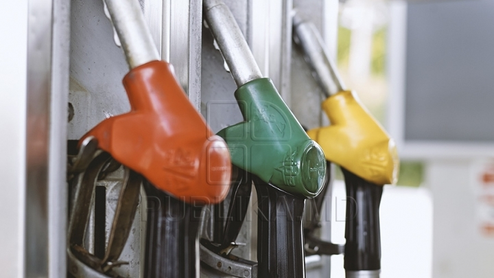 Gasoline to get cheaper next two weeks in Moldova