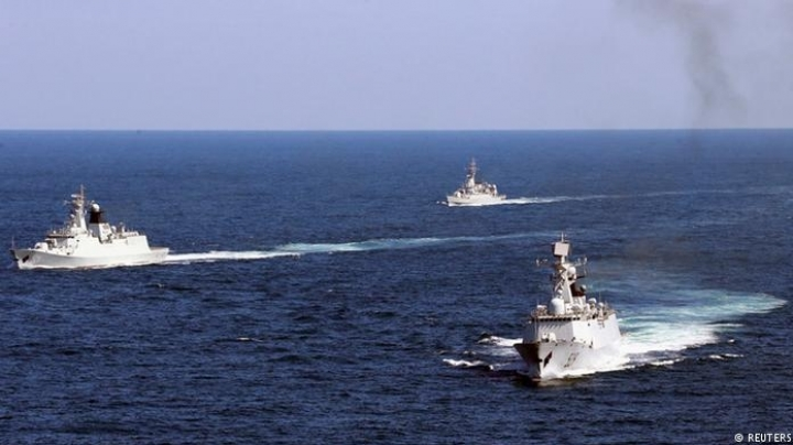 China invites Russia to play war in controversial South China Sea