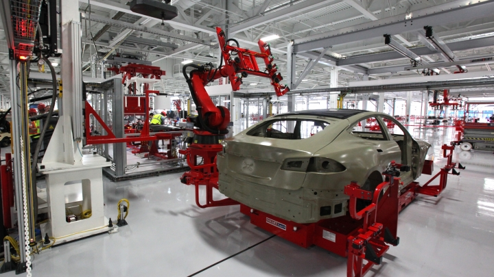 Car maker figures display US economy is speeding up