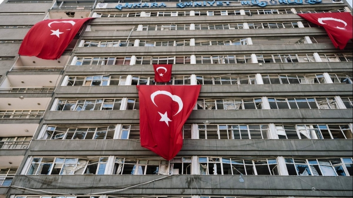 Turkey forbids academics from traveling abroad