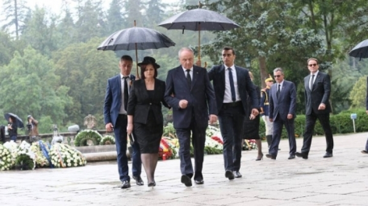 Nicolae and Margareta Timofti attend funeral of Queen Ana of Romania (PHOTO)
