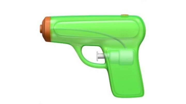 Apple urged to rethink gun emoji change