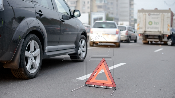 Terrible accident in Stăuceni village: Six people arrived at hospital