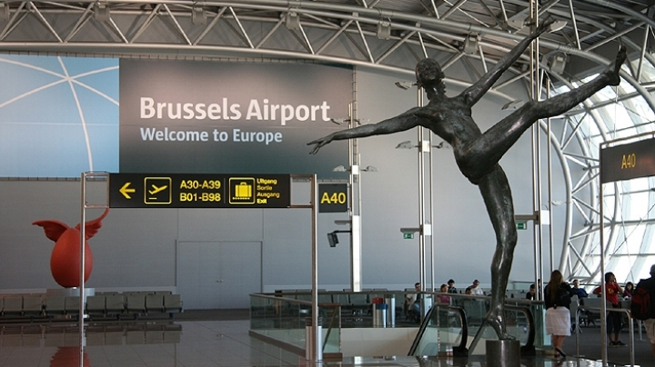 Bomb alert on two passenger jets due to arrive at Brussels airport