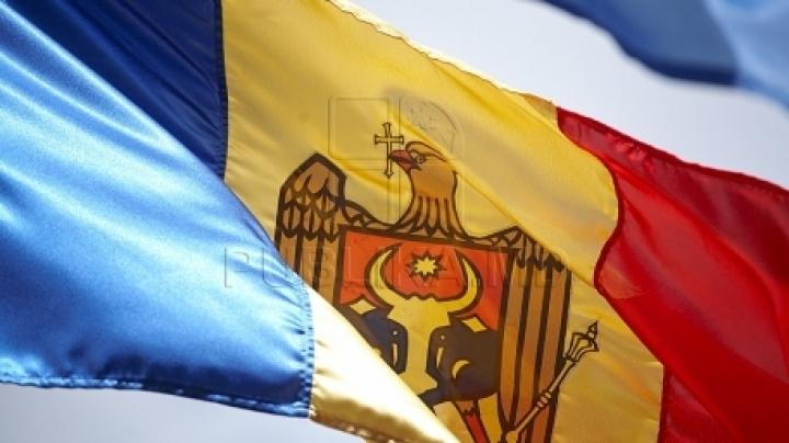 'I AM MOLDOVA' in Ialoveni! Publika TV hands flag to handball team of sports school