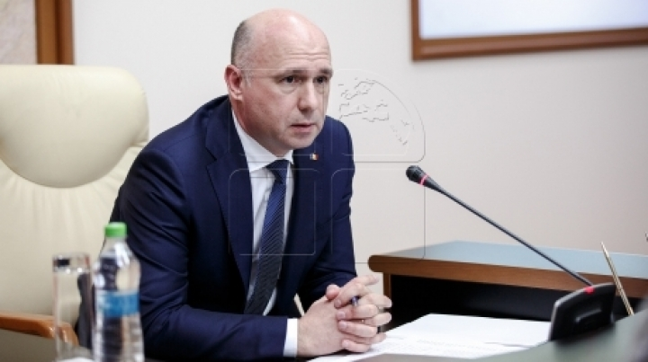 Illegal admission in Government's attention. Prime Minister Pavel Filip calls for explanations