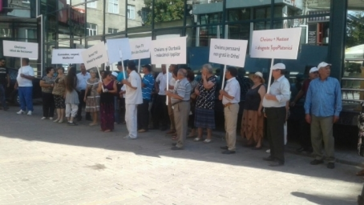 Saying 'No' to DA Party. Orhei people protest against reunion of DA Platform