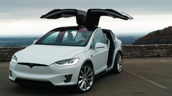 Tesla car takes sick owner to hospital