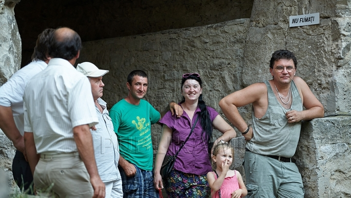 Fewer tourists resorted to Moldovan touring agencies in first half of year