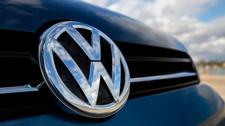 Volkswagen scandal: German authorities okay to fix more cars with illegal emissions software
