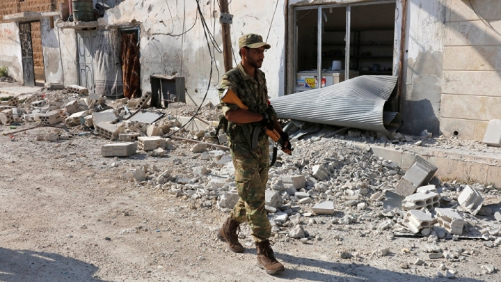 Suicide bomber kills at least five fighters in Daesh-held village in Aleppo