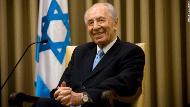 Former Israeli president and Nobel Prize winner Shimon Peres dies at 93