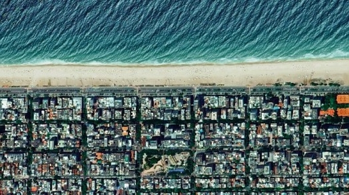 NO COMMENT: Incredible aerial photos show planet Earth as you've never seen it before
