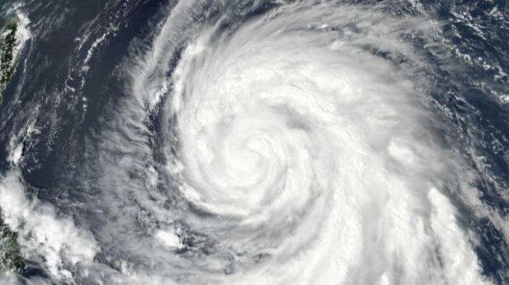 Typhoon Megi hits Taiwan, expected to make landfall in eastern China