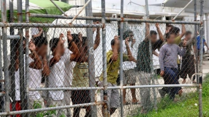 Australia ex-judge Jim Macken offers swap with refugee