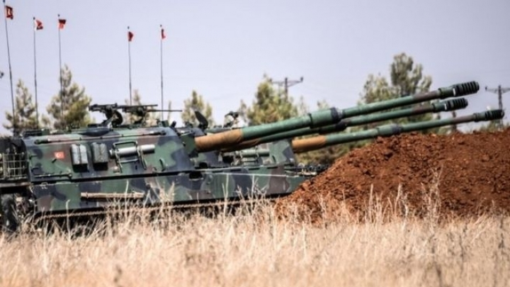 IS conflict: Turkey sends more tanks into Syria