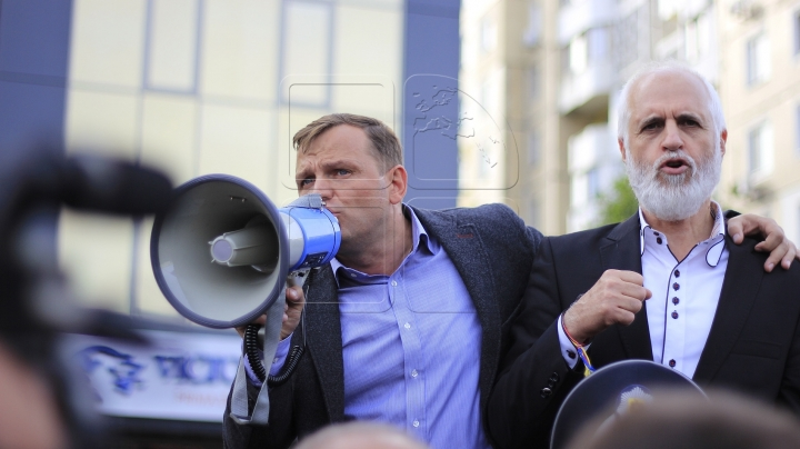 Leader of DA Party had a meeting filled with scandal in Elizaveta village, Balti municipality