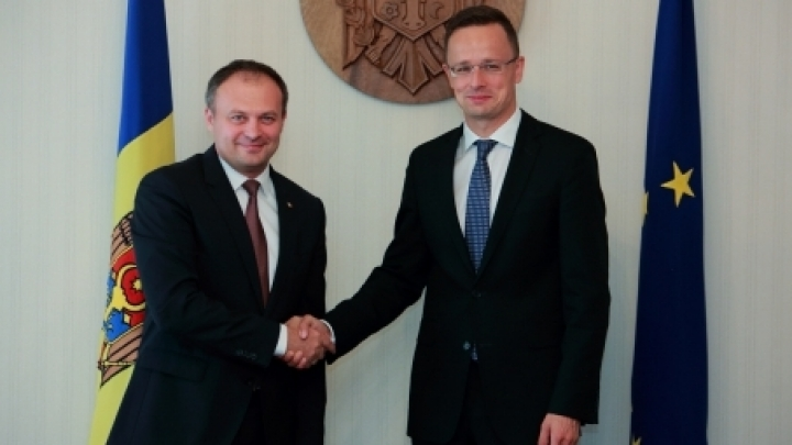 Parliament President meets Hungarian Foreign Minister