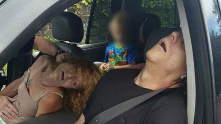 Images of allegedly overdosed couple in Ohio with boy in car go viral