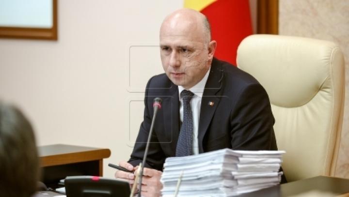 Premier Pavel Filip dubs censure motion as 'political show'