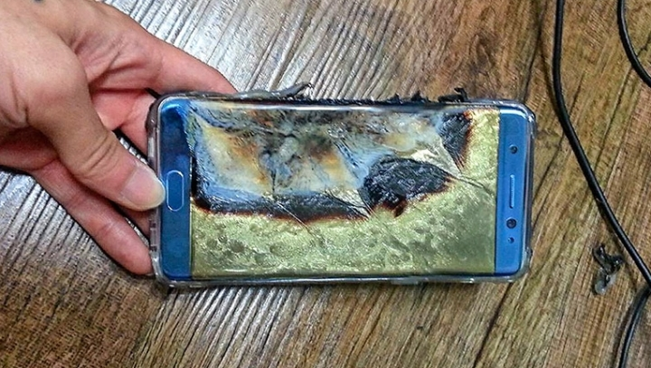 U.S. authorities, Samsung tell owners not to use Galaxy Note 7, until they figure out service recall