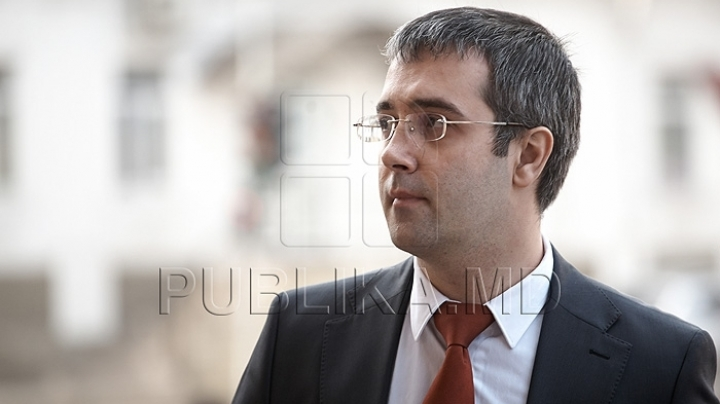 Specifications given by deputy Sergiu Sarbu regarding collection of signatures for Democratic Party