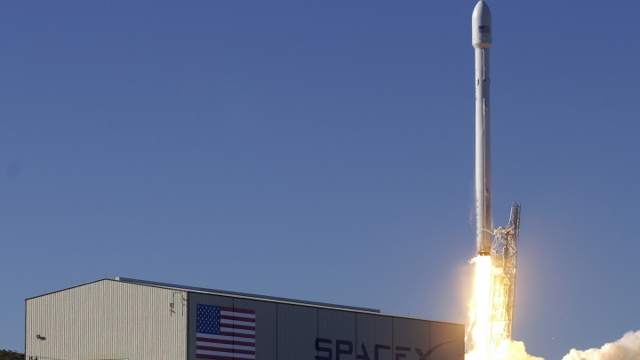 Back on track. SpaceX readies for new launch, after failure