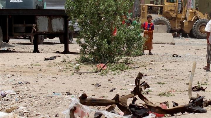 Bomb blast kills 6 Yemeni soldiers in Aden