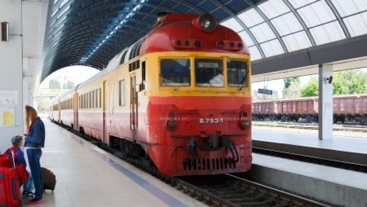 EIB tenders over EUR50 mn to buy locomotives, modernize Moldovan Railway