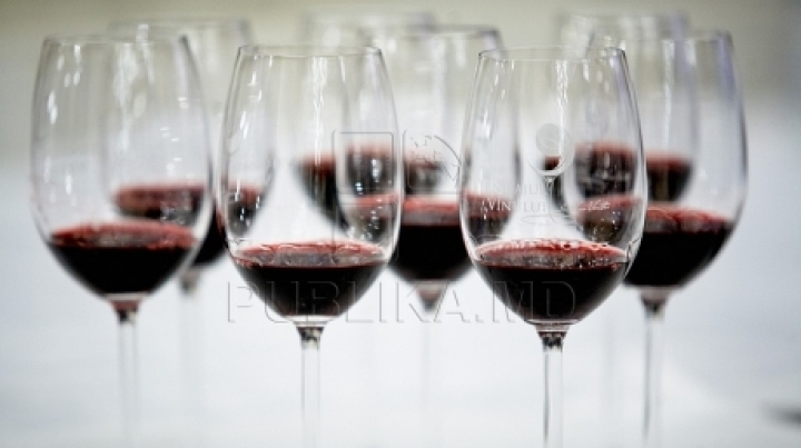 Final preparations for Wine Day in Chisinau
