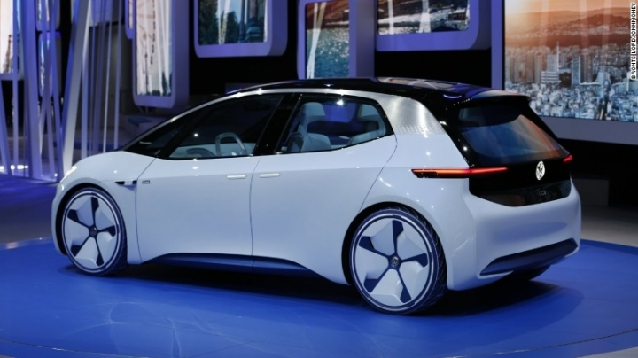 Volkswagen unveils better, cheaper electric car